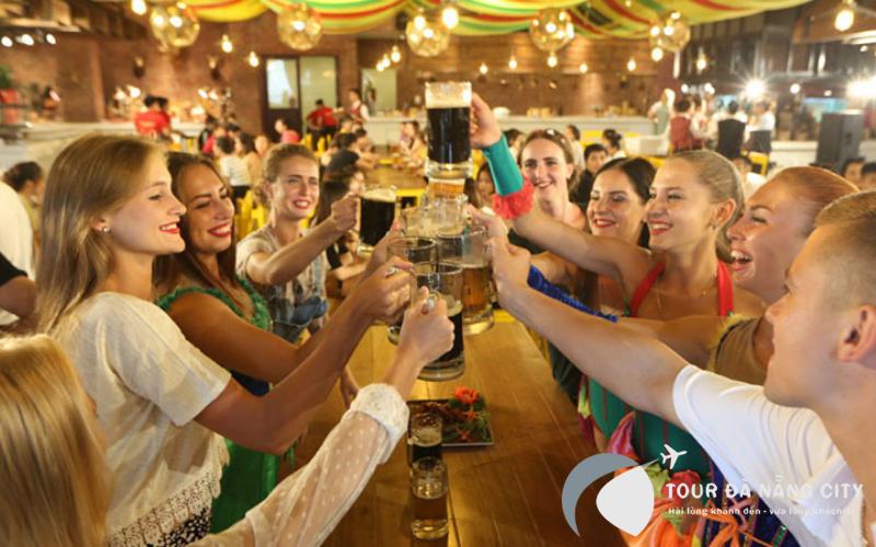 Trải nghiệm lễ hội bia có 1-0-2 tại Bà Nà